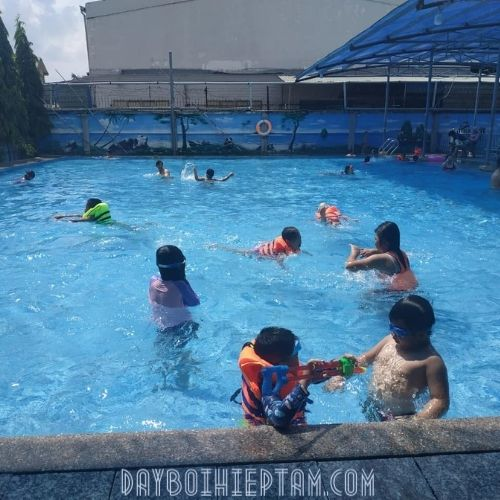 Hồ Bơi Donald